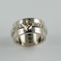 Lemon  Diamond ring