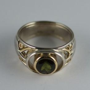 Tourmaline white yellow gold