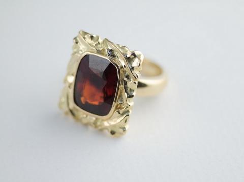 Ring - carved 22ct Gold Almandine Garnet