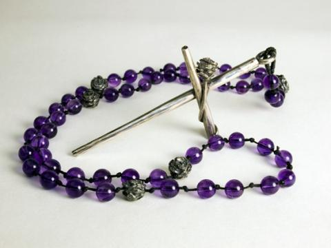 """Amethyst beads with Roses as the """"our Fathers"""" holding a Silver Crucifix"""