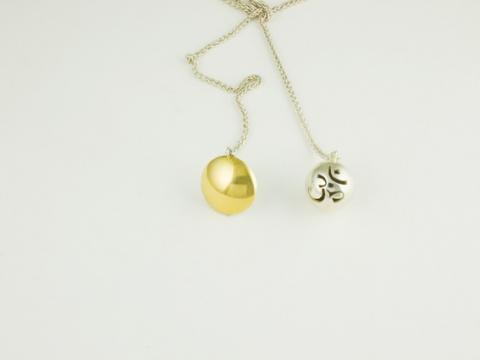 Necklace Gold and silver beads saw pierced details
